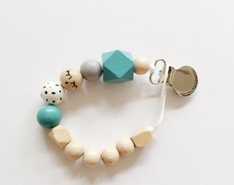 Sleepy eyes > hand-painted Tutana with geometric wooden beads - mint, white
