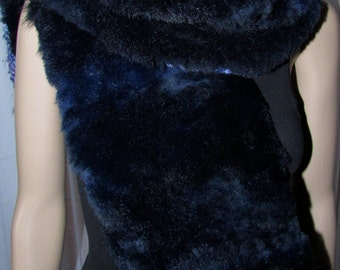Elegant and chic scarf Possum Fur scarf Navy and blue wool reversible/beautiful reversible Possum and wool scarf