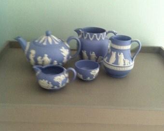 Wedgewood blue jasperware tea set (5pieces)