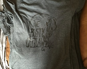 Womens (Fitted) Rusty Outlaw Co. tee.