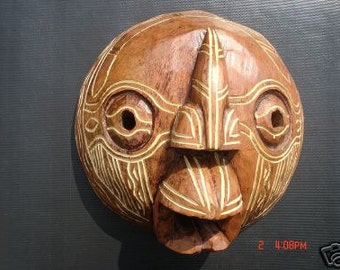 African Round Mask