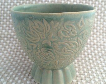 Ceramic winecup with floral pattern Green