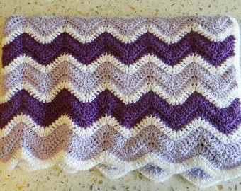 Crochet Chevron/Waves Baby Blanket in Purple, Lavender and White