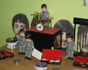 The Beatles très très rare Mme Alexander Poupée Beatles set complet dans Boite originale :-)