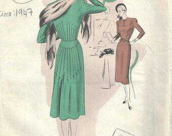 1947 Vintage VOGUE Sewing Pattern B34 DRESS (1613) Vogue 348