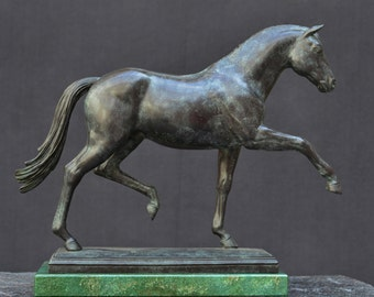 Bronze sculpture, QUATERBACK, horse portrait with grey or brown patina on a plinth of granit