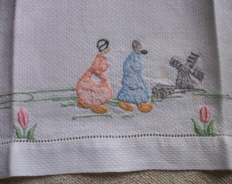 Vtge French Towel ~ Damask Guest or Hand Towel ~ Little Dutch People Vintage Embroidery ~ Tulips ~ Torchon