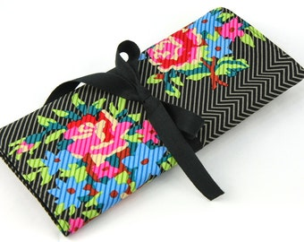 Short Knitting Needle Organizer Case - Twill Bouquet Black - 24 black pockets for circular, double pointed, interchangeable or travel