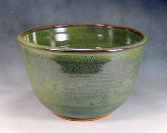 10 Cup Green Large Ceramic Serving Bowl Wheel Thrown Pottery Bowl 3