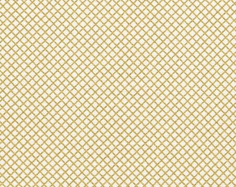 ON SALE - 10% Off FAT Quarter Robert Kaufman Remix Diamond Lattice Gold Metallic Quilting Apparel Fabric