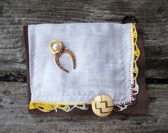 VINTAGE LiNEN KEEPSAKE POUCH with Horseshoe