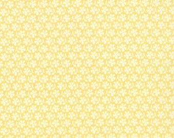 Strawberry Fields Revisited - Daisy Blooms in Butter Yellow: sku 20267-15 cotton quilting fabric by Fig Tree for Moda Fabrics - 1 yard