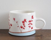Mug with red flowers