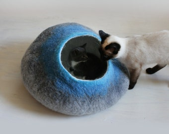 Cat Cave / Bed / House / Vessel - Hand Felted Wool - Gray to  Blue Bubble - Crisp Contemporary Design -- READY TO SHIP
