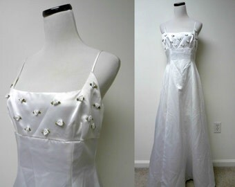 Steppin' Out . white spaghetti strap princess dress . size 9 / 10 . made in USA