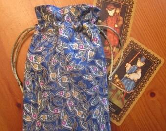 Floral Leaves Padded Tarot Bag