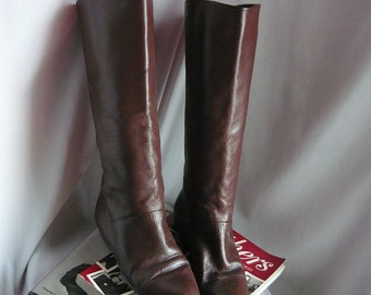 Vintage IPANEMA Slouch Knee Boots Leather Size 8 .5 M Eu 39 UK 6  Flat Pixie Pirate Cuff Brazil Chocolate Brown