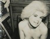 vintage photo 1960s Unusual Blond Nude Topless B Movie Film Noir Cheesy AMateur