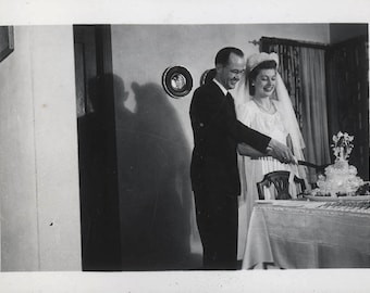 vintage photo 1940s Married Couple Wedding Day Cut the Cake
