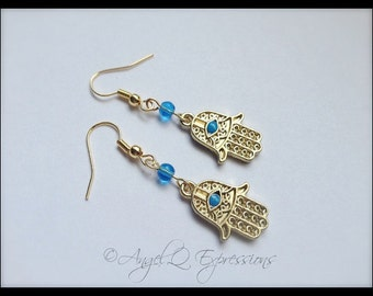 Hand of Fatima Hamsa Hand with Evil Eye in Gold with Blue Glass Beads