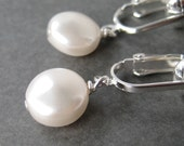 White Coin Pearl Clip-on Earrings, Simple White Pearl Round Clip Earrings, Simple Dangle Clipons, Lightweight Earrings, Handmade, Moon