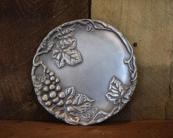 Arthur Court round grapes plate
