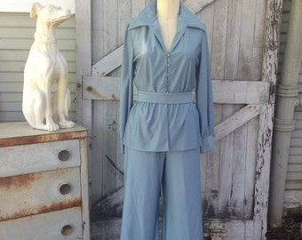 On sale 1970s pantsuit 70s palazzo pants and peplum blouse size medium Vintage jumpsuit 2 piece set