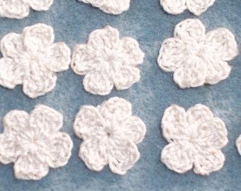 20 ecru thread crochet applique flowers -- 2390