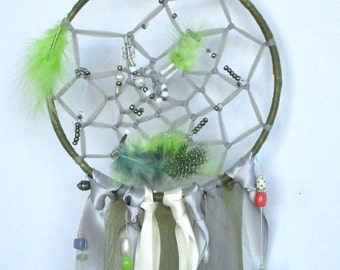Green Dream catchers,dreamcatcher,bohemian,spiritual,native,baby shower,bedroom dec,nursery decor,bedroom decor, house warming gift,feathers