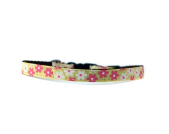 3/8 Wide Collar for Cat or Tiny Puppy in Yellow Flowers