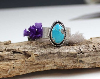 Kingman Turquoise Cabochon Sterling Silver Ring, size 9.75, rustic, artisan, metalwork, handmade, Boho, Bohemian, Gypsy, Cowgirl