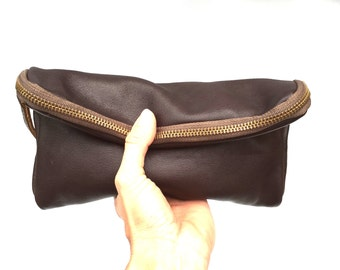 Fold over clutch in brown // gold tone hardware