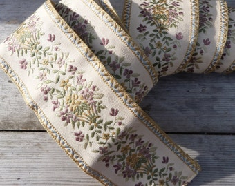 Vintage  French 1950 /1960 large damask floral trim ameublement fournishings 2 & half yarns