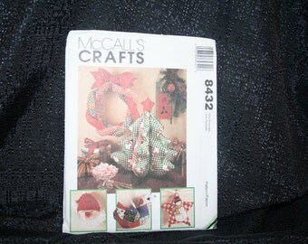 Vintage McCall's 8432 Christmas Decorations Craft Sewing Pattern SEWBUSY12