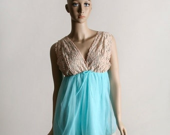 ON SALE Vintage Babydoll Slip - Nightie Lace Negligee in Turquoise and Beige Lace - Small
