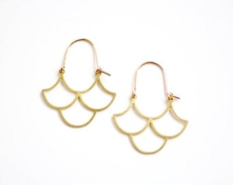 Minimalist Scalloped Wave Hoop Earrings - Gold or Silver