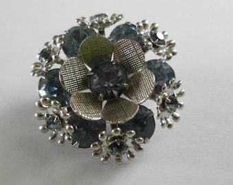 Vintage Rhinestone Flower Brooch EXQUISITE