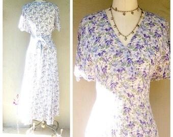 Laura Ashley floral dress / lavender + sage / 80s 90s airy rayon dress / US medium 6-8, UK 12 EU 38