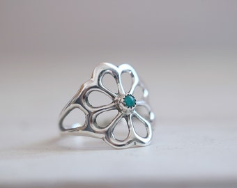 Vintage collection. Sterling silver Sand cast ring with Turquoise. Turquoise ring, Sand cast, flower, natural Turquoise, navajo, boho ring.