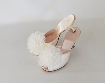 Vintage Daniel Green High Heel Peeptoe Boudoir Slippers Shoes Ivory with Poms Euro 36 Sz 5