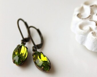 On SALE / CIJ Sale / Olive Green Estate Style Jewelry, Vintage Glass Earrings, Hollywood Glam,  Light Olivine Green