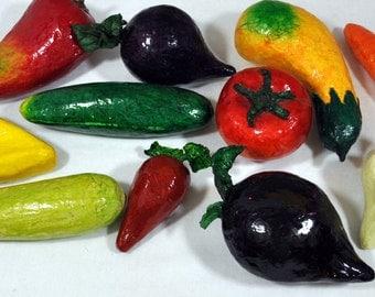 LOT of 11 Paper Mache Mexican Vegetable Fruit Vintage Decorative Folk Art MINT