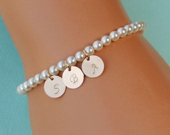 Mother of Bride Gift, Mother of Groom Gift, Initial Charm Pearl Bracelet, Swarovski Pearls with Gold Charms, Personalized Bracelet, Wedding