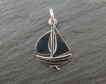 Sterling Silver Sailing Boat Pendant 17mm (CG8059)