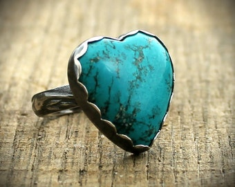 READY TO SHIP - Sterling Turquoise Heart Cocktail Ring -  Size 7.5
