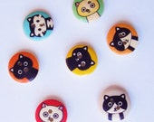 7 Adorable Wooden Cat Buttons