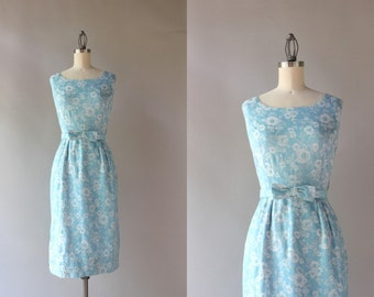 1950s Wiggle Dress / Vintage 50s 60s Embroidered Floral Dress / 50s Blue Bow Belt Fitted Cotton Dress