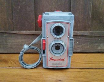 Vintage Grey Plastic Imperial Deluxe Twin Lens Reflex Camera Six Twenty