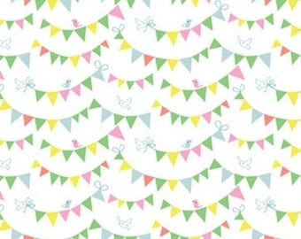 NEW - Fat Quarter - White Bunting Day - 121.101.03.1
