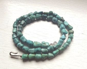 "18"" Natural Turquoise Undyed Nugget Knuckle Necklace 25 grams of Gorgeous Blue-Green Beads Back Thennish Vintage"